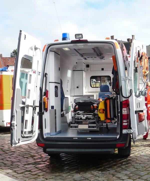 ambulance-1509645_1920